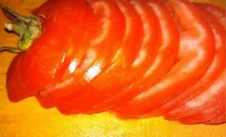 нарезаный помидор