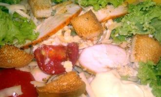 салат цезарь перемешка