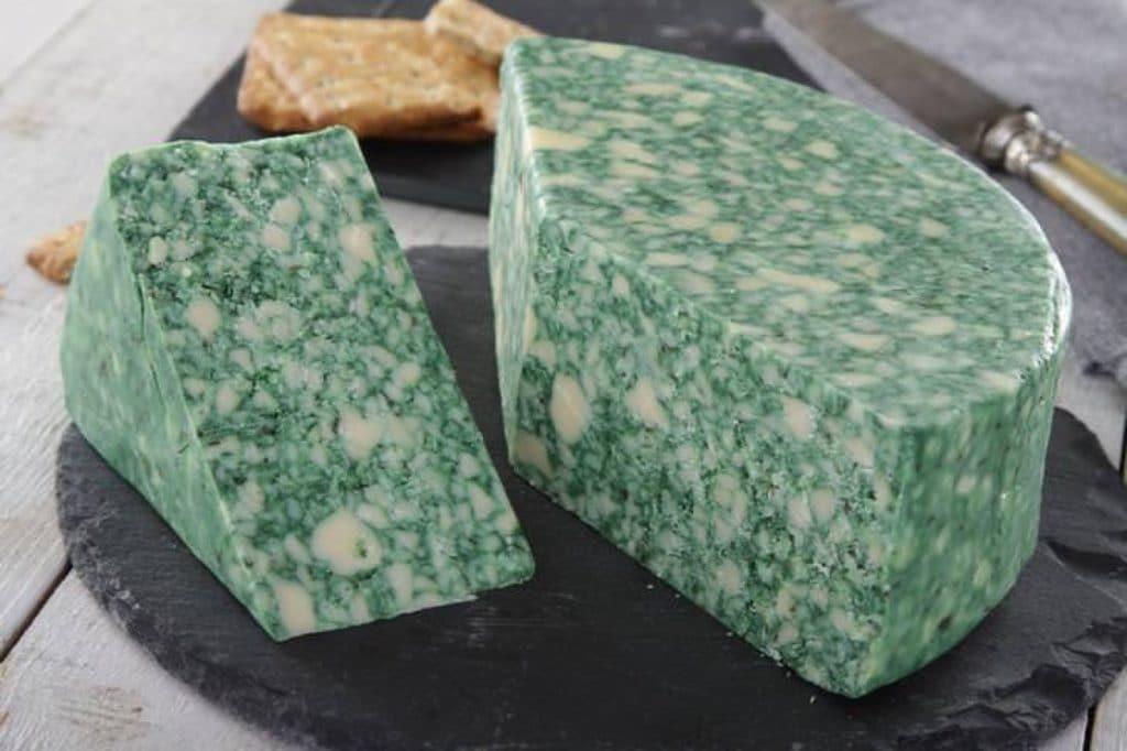 Сыр Дерби с шалфеем
