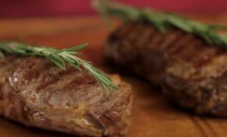 говяжий стейк готовый