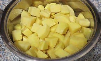 картошка с куриными бедрами