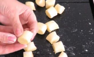 лепим картофельные ньокки