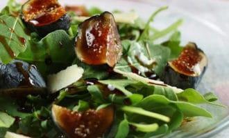 руккола и инжир салат