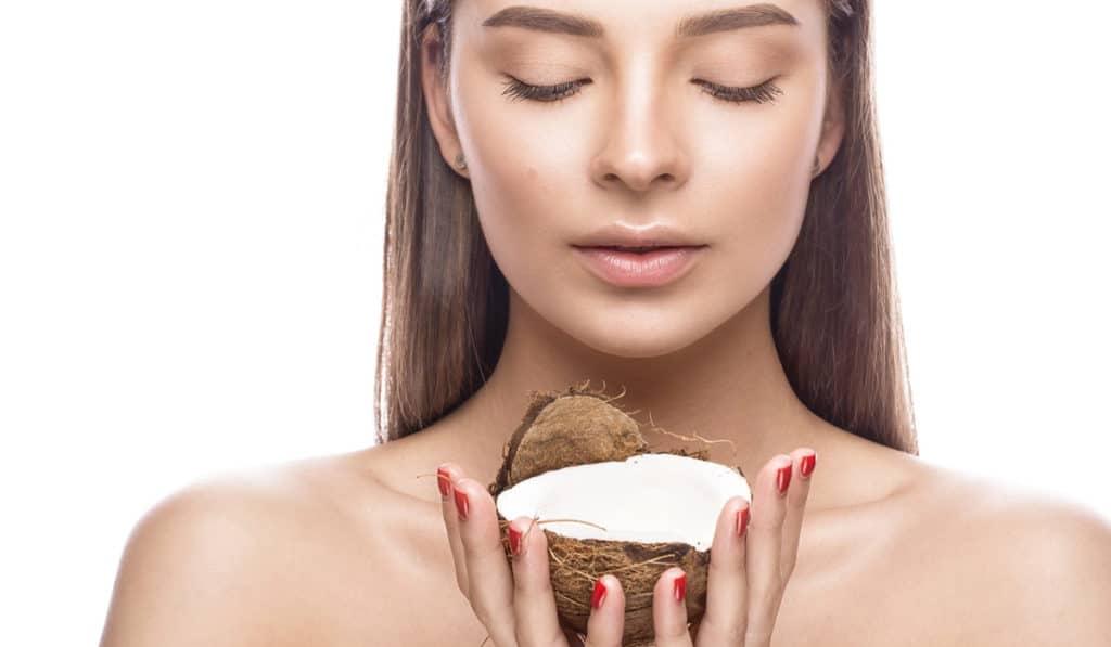 Увлажняющее средство для кожи из кокоса
