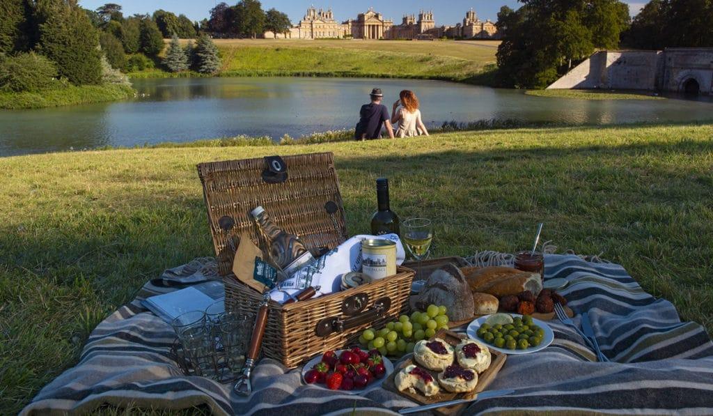 Пикник у замка Бленхейм
