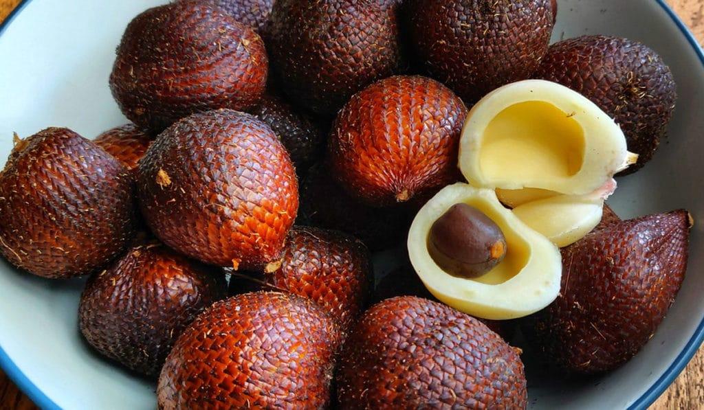 Салак или змеиный фрукт
