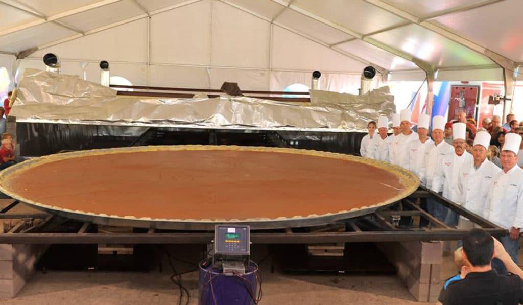 Самый большой тыквенный пирог