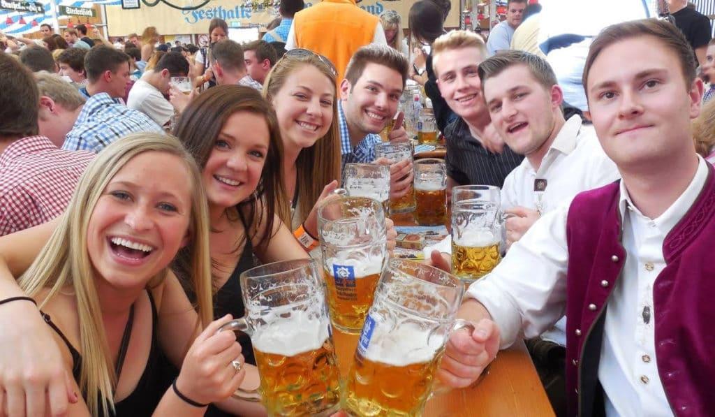 Весенний фестиваль в Мюнхене
