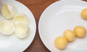 Белки и желтки вареных яиц