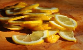 Лимон полукольцами