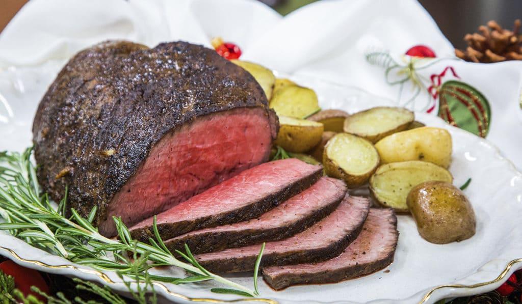 Мясное блюдо на новогодний стол