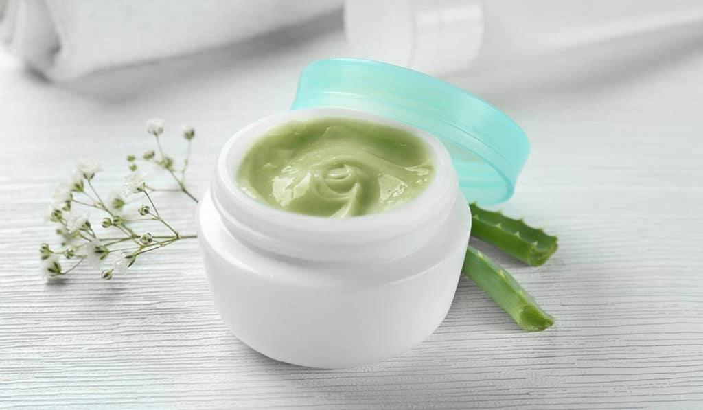 Крем для лица из зеленого чая и алое