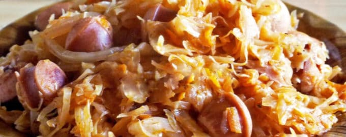тушенная капуста с сосисками рецепт