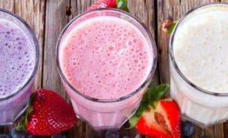 В чем разница между смузи и молочным коктейлем