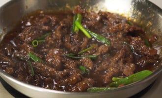 готовая говядина по-монгольски