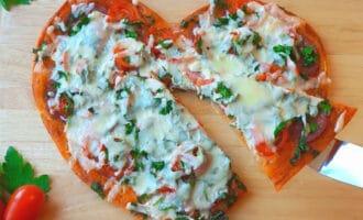 готовая пицца сердце из слоенного теста