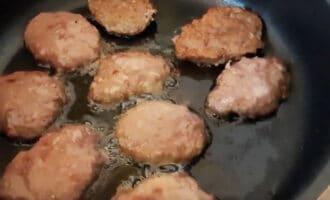 печеночные оладьи на сковороде