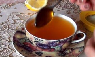 чай с куркумой, лимоном и медом