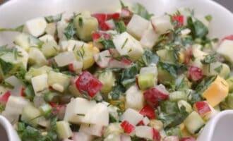 Салат Весенний из овощей и яиц