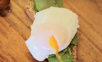 Готовое яйцо пашот