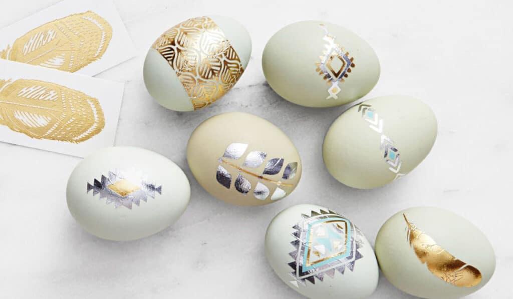 Яйца украшенные флеш-тату