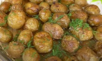 Запеченый картофель с укропом