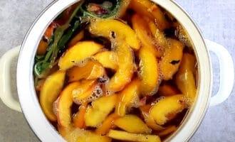 Персиковый напиток с мятой