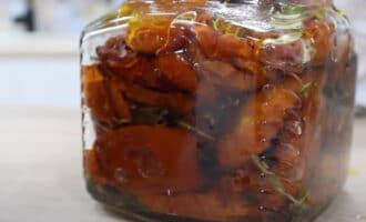 Вяленые помидоры с маслом