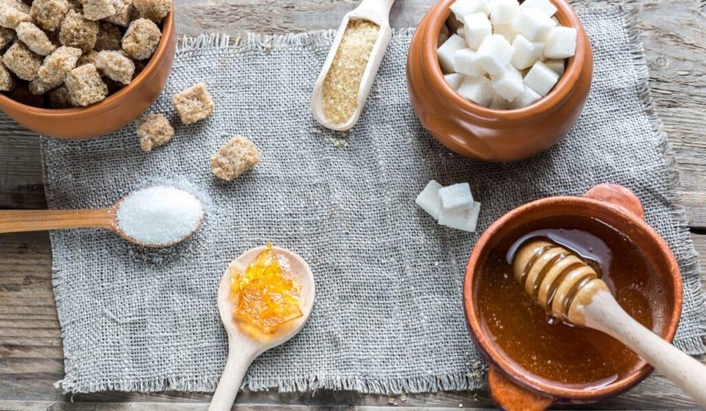 Источники сахара в продуктах питания