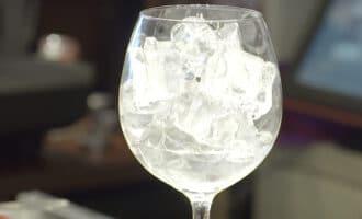 Джин со льдом
