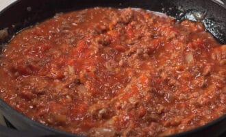 Фарш с томатным соусом
