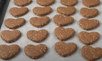Печенье с какао и кунжутом