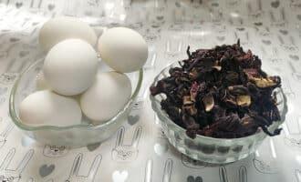 куринные яйца и чай каркаде